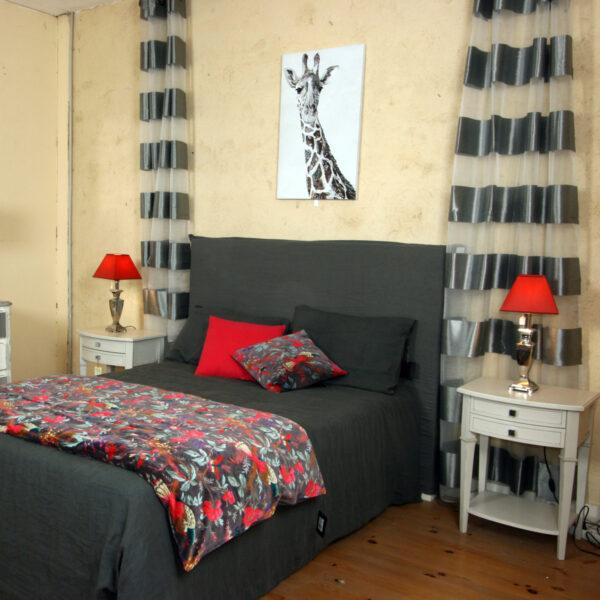 Grand choix de rideaux, housses de couette, coussins, édredons, cache sommier etc ...